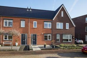 Buitenwaard 6 in Wijk En Aalburg 4261 MG