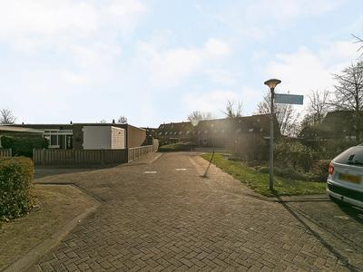 Hoekwierde 121 in Almere 1353 PJ