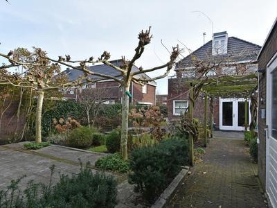 Willem Van Nieuwenhuizenlaan 18 in 'S-Gravenhage 2493 CC