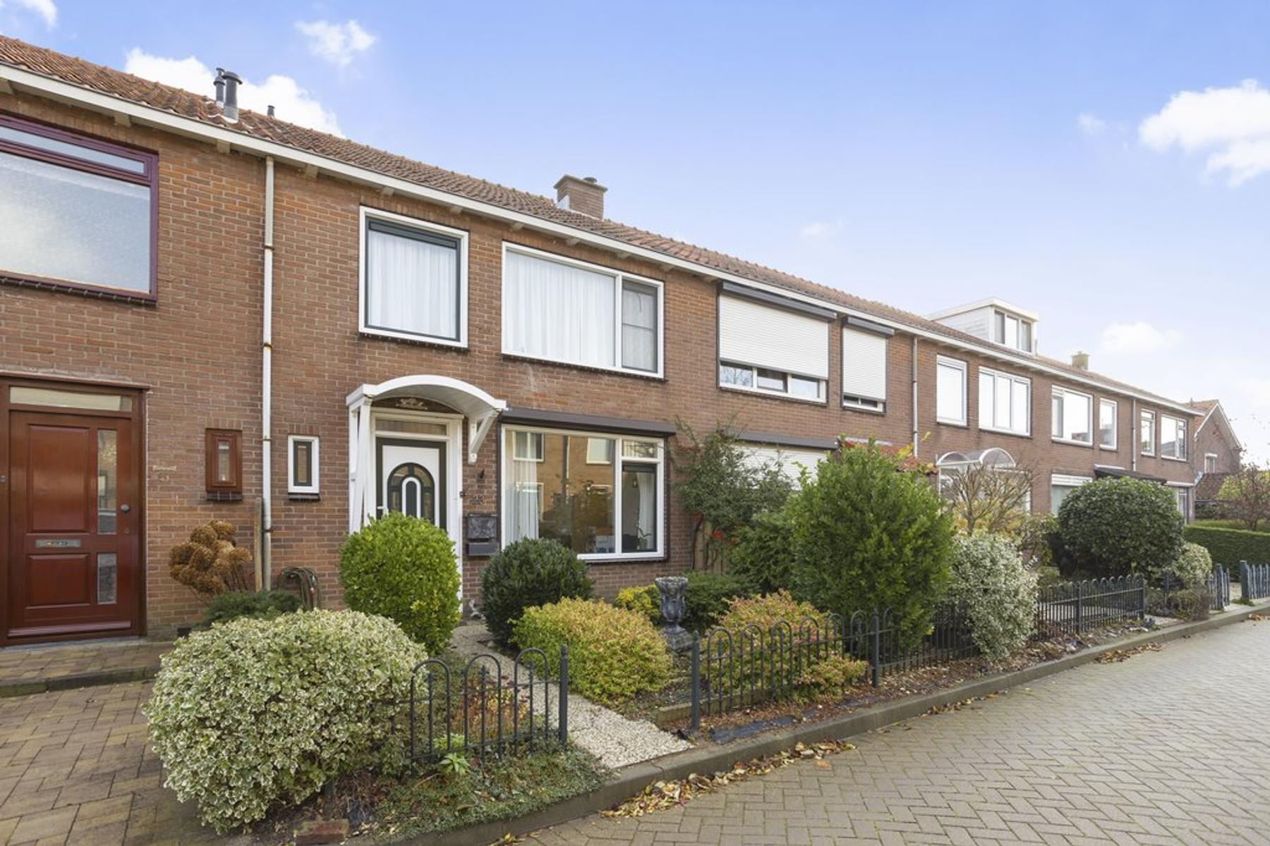 Willems Fopsstraat 23 in Hellevoetsluis 3222 CT