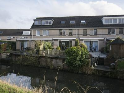 Clara Wichmannstraat 93 in Ridderkerk 2984 XG