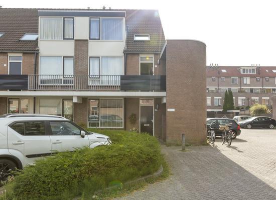Magerhorst 29 in Alphen Aan Den Rijn 2402 LR