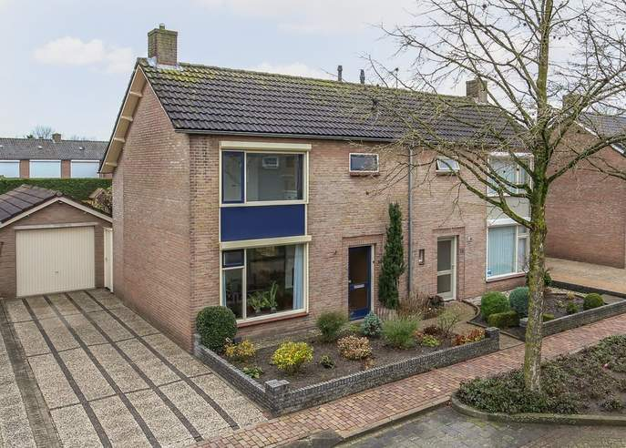 Beatrixstraat 16 in Schaijk 5374 BT