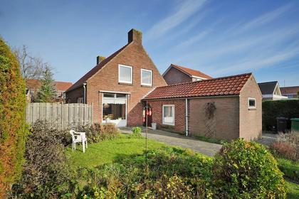 Ooststraat 26 in Nieuwerkerk 4306 AC
