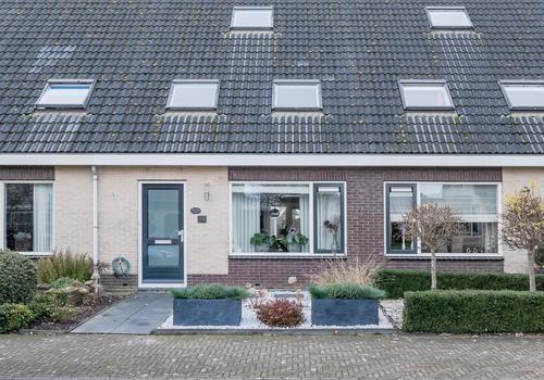 Zuiderwoid 44 in Lutjebroek 1614 TD