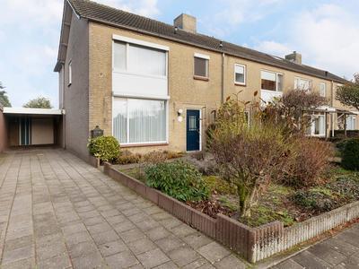 Simon Van Den Berghstraat 29 in Geffen 5386 CC