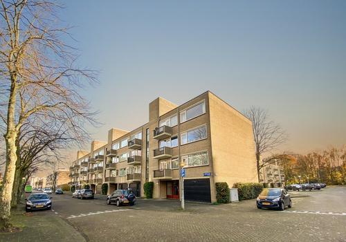 Gijsbrecht Van IJselsteinstraat 251 in Amsterdam 1082 KJ