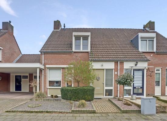 Anna Van De Manakkerstraat 13 in Beringe 5986 CA
