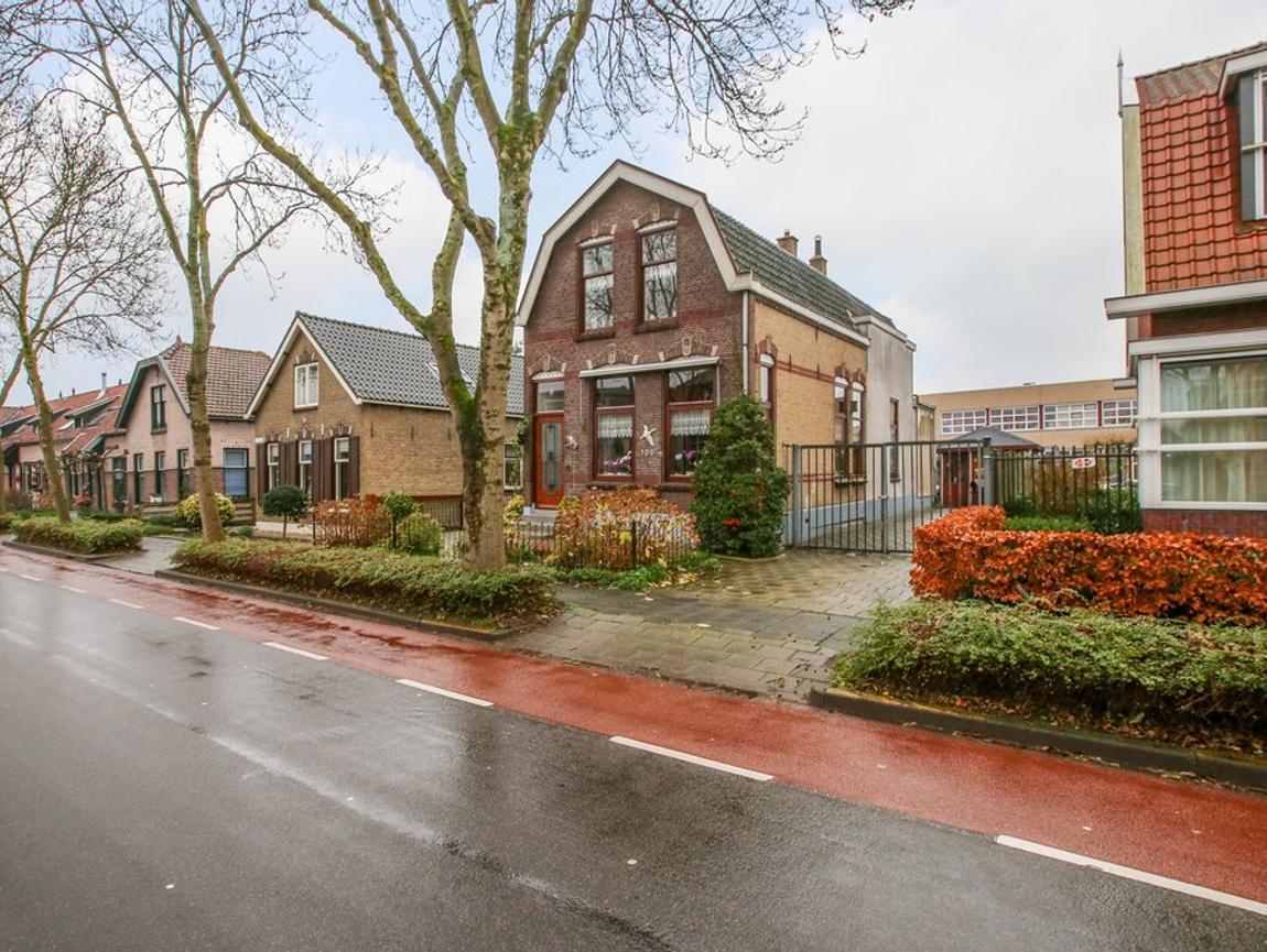 Kerkweg 109 in Lekkerkerk 2941 BJ