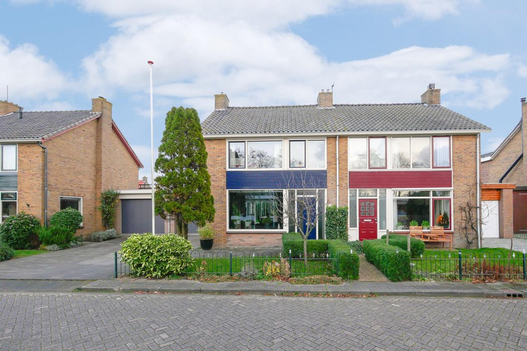Meester J. De Vriesstraat 13 in Julianadorp 1788 AV