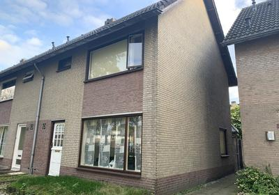 Diepenbrocksingel 37 in Waalwijk 5144 XA
