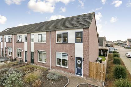 Dokter Van Wieringenstraat 2 in Waardenburg 4181 BW