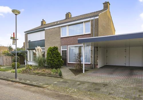 Bentinckstraat 20 in Limbricht 6141 BA