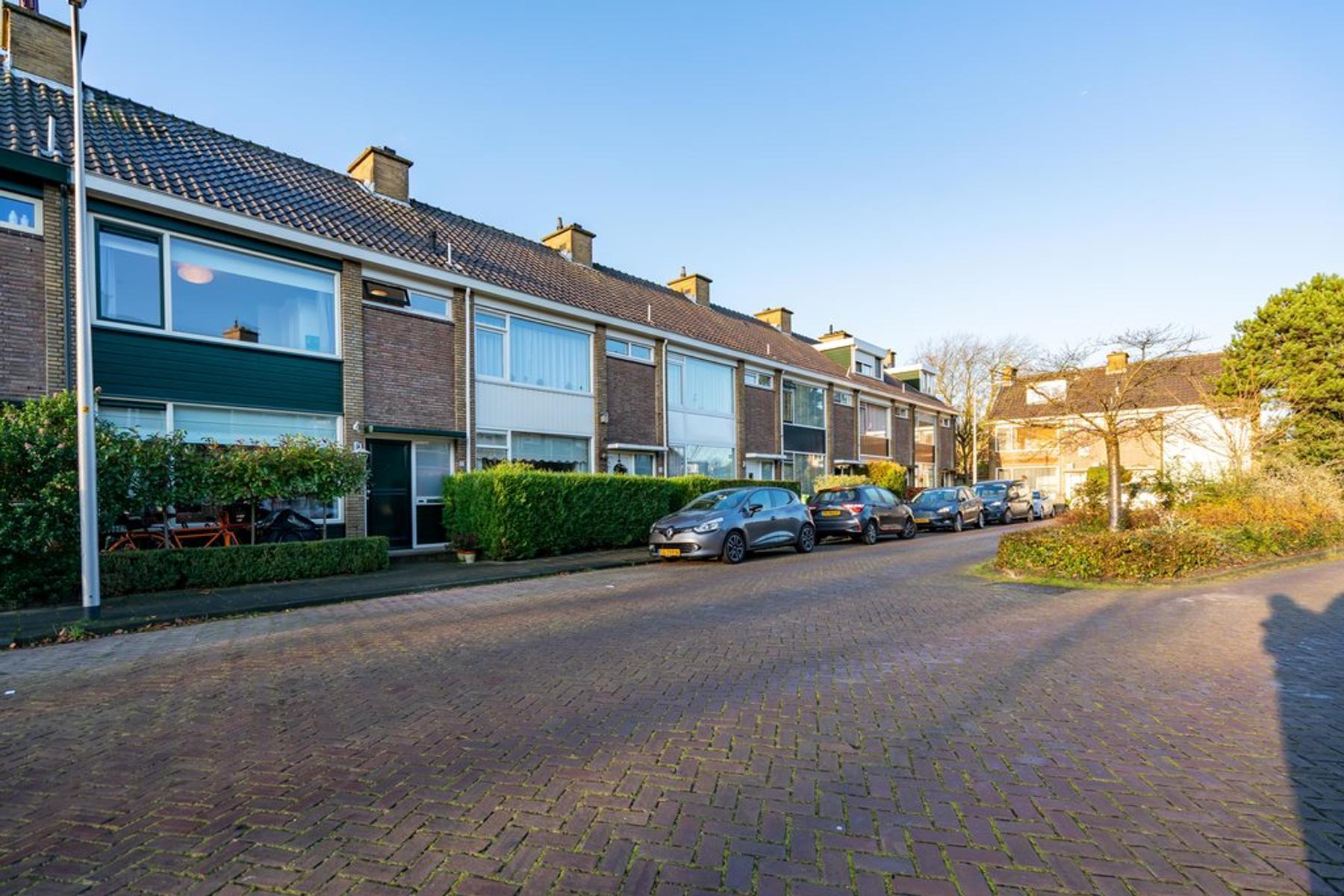 Fresiaplein 17 in Wassenaar 2241 XS