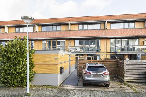 Zuiderpoort 42 in Nieuw-Vennep 2152 RG