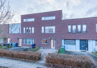 El Grecostraat 102 in Almere 1328 SR