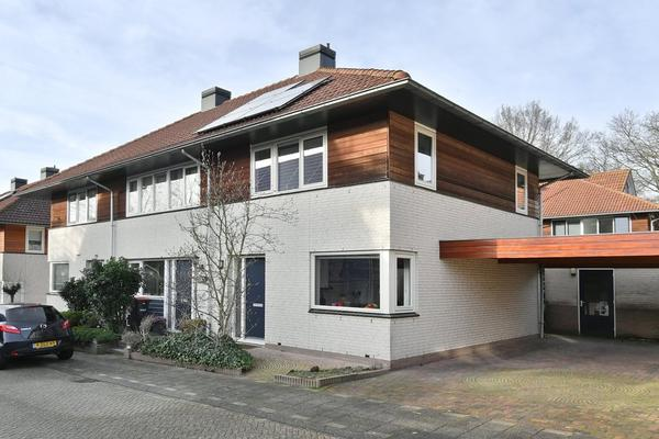 Chalonhof 113 in Soest 3762 CT