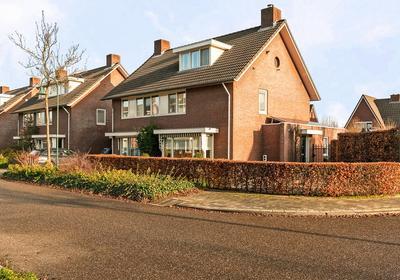 Leeuwenborchweide 2 in Helmond 5709 SC