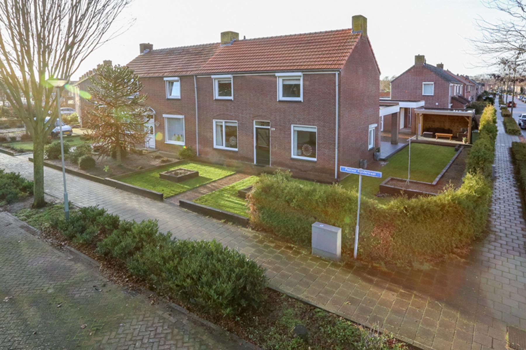 Pastoor Rijnderslaan 29 in Reuver 5953 EP