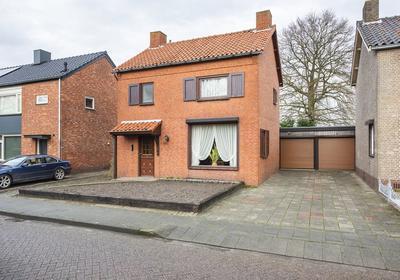 Karolinastraat 30 in Oud Gastel 4751 BS