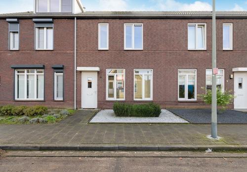 Linderveld 3 in Neeritter 6015 BW