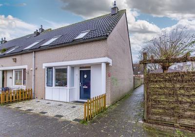 L.C. Van Der Vlugtstraat 77 in Almere 1333 MK