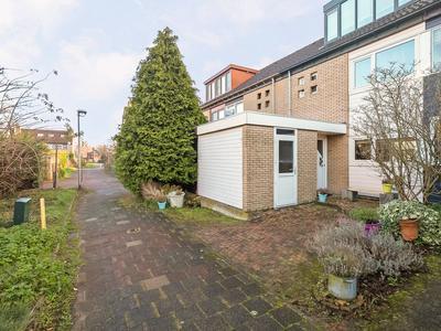 Lingedal 6 in Capelle Aan Den IJssel 2904 CK