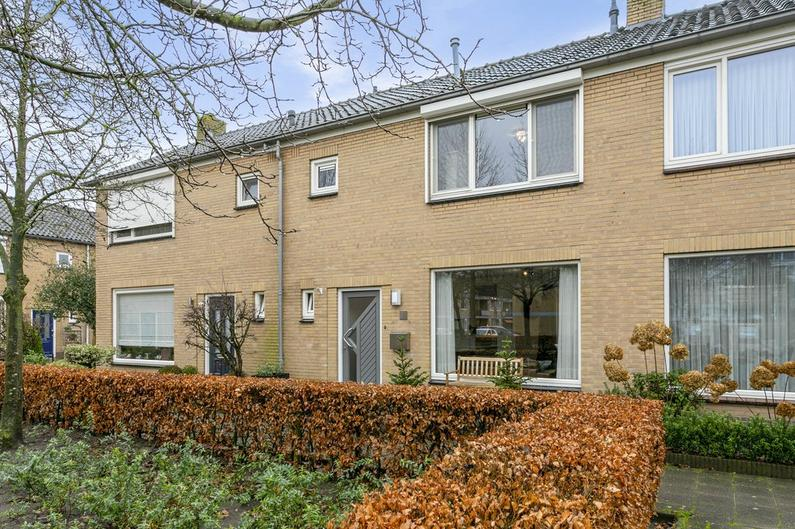 Jasmijnhof 24 in Waalwijk 5143 EC