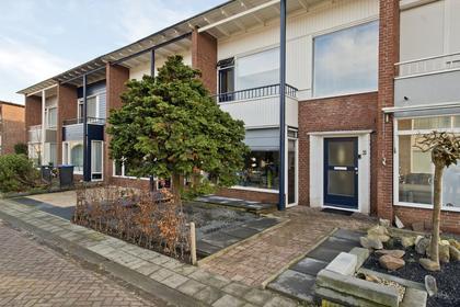 Hertog Adolfstraat 23 in Tiel 4001 RD