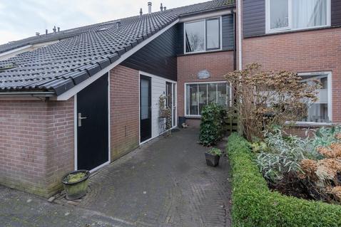 Schouw 37 in Grootebroek 1613 CL