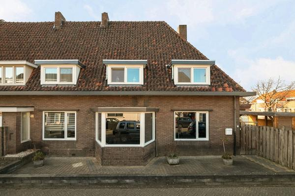 Anjelierstraat 2 in Geleen 6163 CK