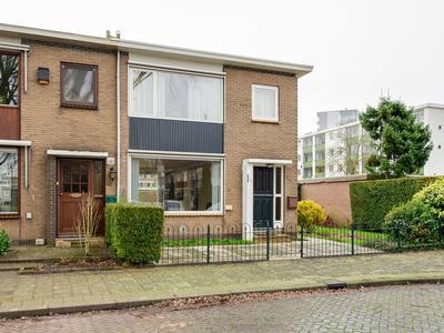 Van Limburg Stirumplantsoen 11 in Dordrecht 3317 GP