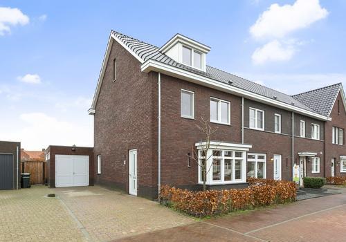 Meester De Weertstraat 10 in Oirschot 5688 KZ
