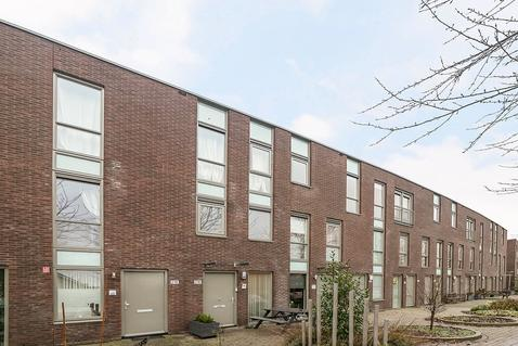 Renoirstraat 216 in Almere 1328 RH