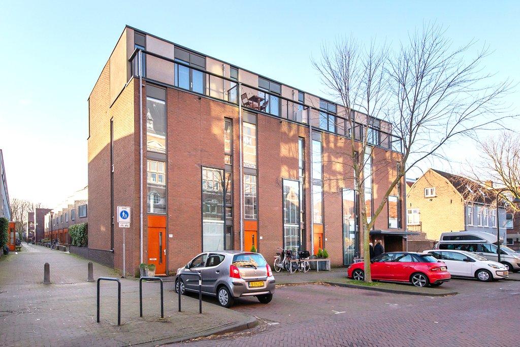Raam, Delft