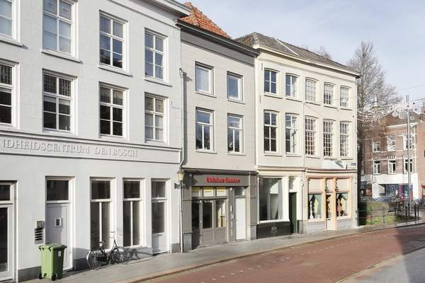 Orthenstraat 352 in 'S-Hertogenbosch 5211 SX