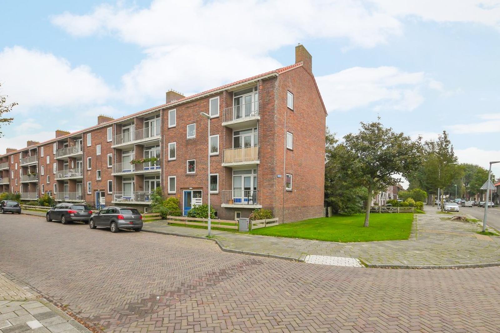 H.A. Lorentzstraat 12