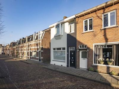 Hoogvensestraat 159 in Tilburg 5017 CD