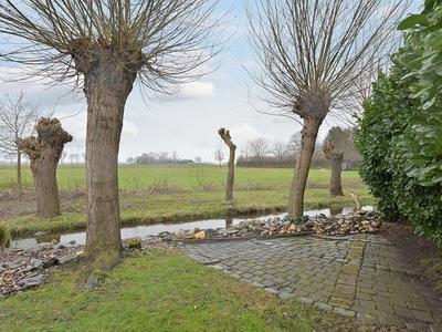 Heilig Kruisstraat 50 in Grevenbicht 6127 CD