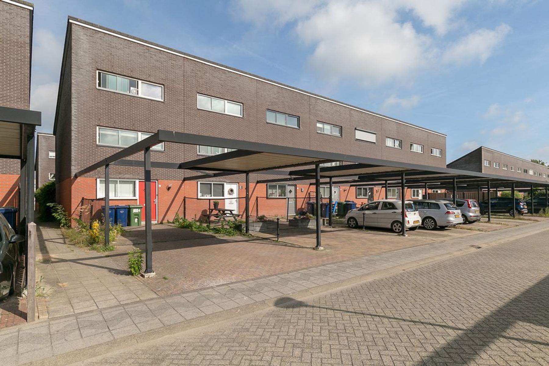 Hollandiastraat 47 in Almere 1335 VH