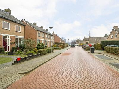 Henri Dunantstraat 9 in Staphorst 7951 BA