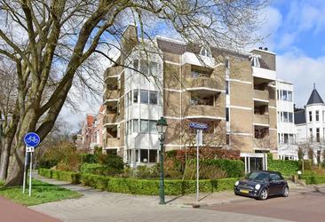 Van Lennepweg 165 in 'S-Gravenhage 2597 LV