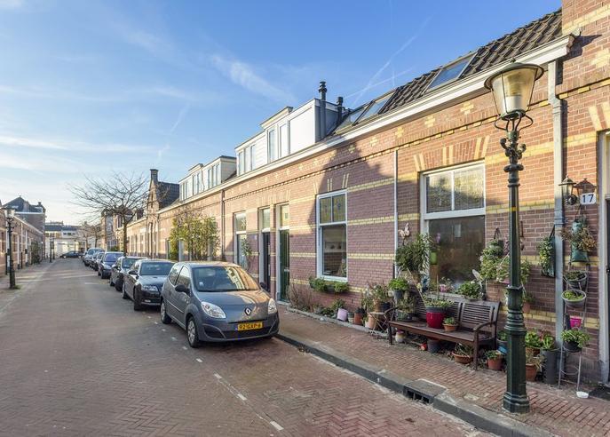 Lynckerstraat 19 in 'S-Gravenhage 2562 NX