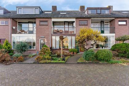 Graaf Willemlaan 112 in Hendrik-Ido-Ambacht 3341 CH