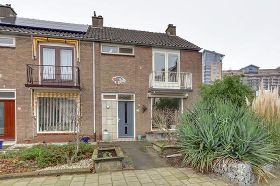 Griend 37 in Zwijndrecht 3331 GE