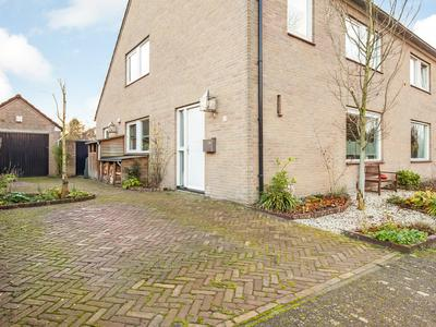 Louis De Bourbonstraat 11 in Helvoirt 5268 DA
