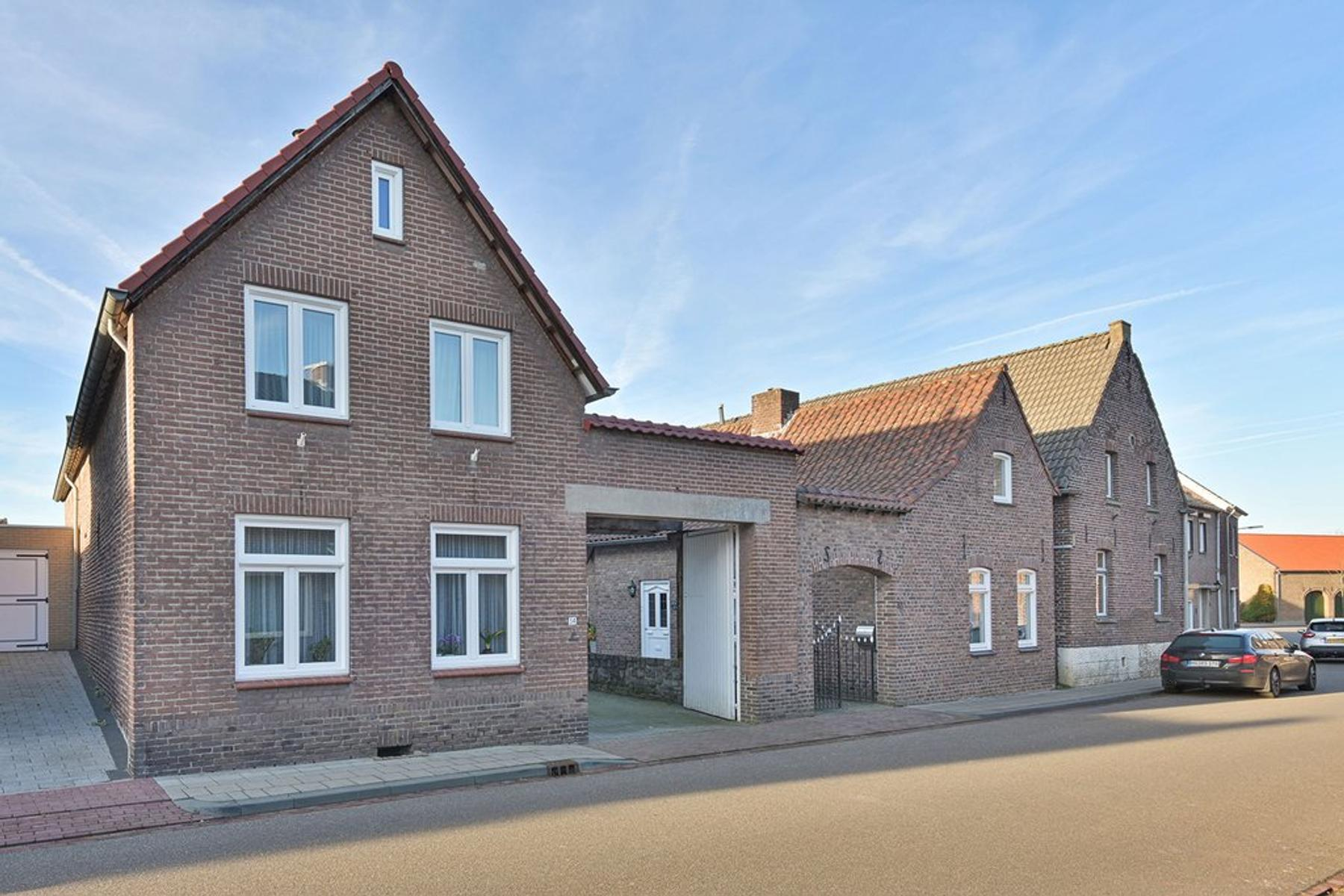 Dorpsstraat 34 in Guttecoven 6143 AX