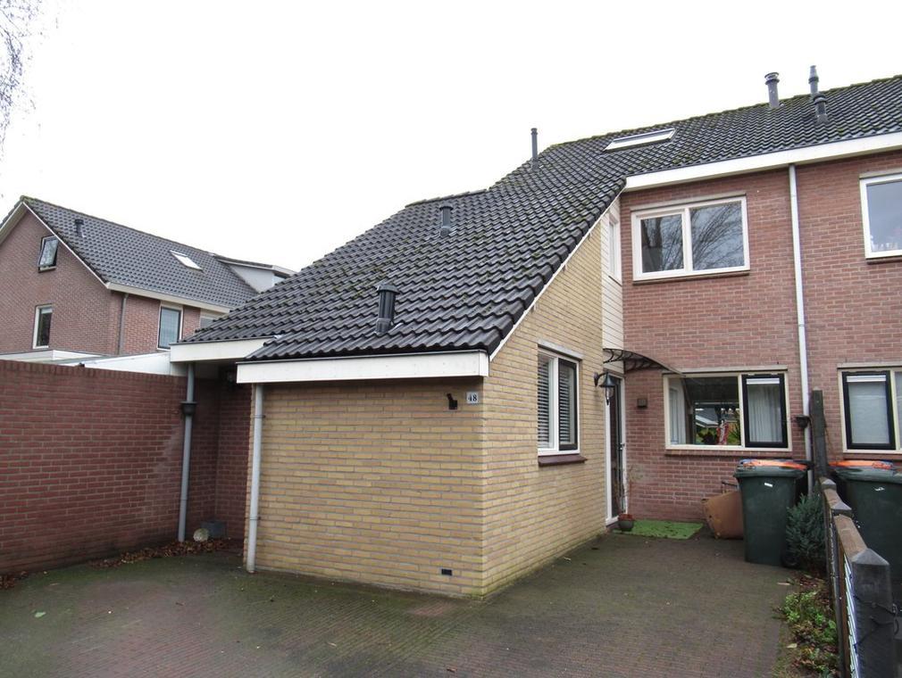 Mokkenland 48 in Staphorst 7951 HE
