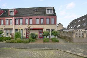 Agniese Van Langerakdreef 1 in Vianen 4133 JA