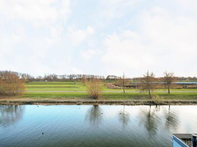 Plecht 20 in Almere 1319 BD